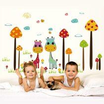 Sticker perete girafe şi ciuperci uriaşe
