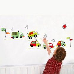 Sticker perete maşini pe drum
