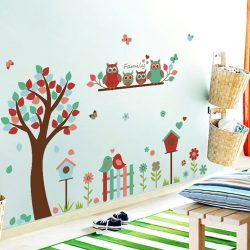 Familie de bufnițe în grădină – sticker de perete