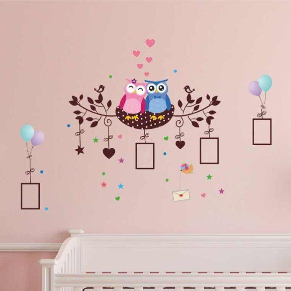 Sticker de perete cu o pereche de bufniță în cuib în imagine