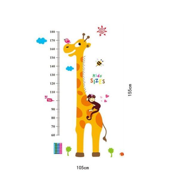 Girafa care ajunge până la cer și prietenii ei – sticker de perete pentru măsurarea înălțimii
