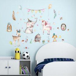 Sticker de perete elefant micuț și unicorni