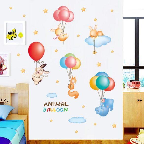 Animale zburând pe balon