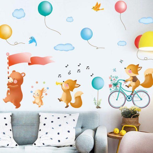 Sticker de perete cu ursuleț și vulpi cu baloane