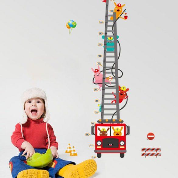 Sticker perete pentru măsurarea înălţimii cu maşini de pompieri