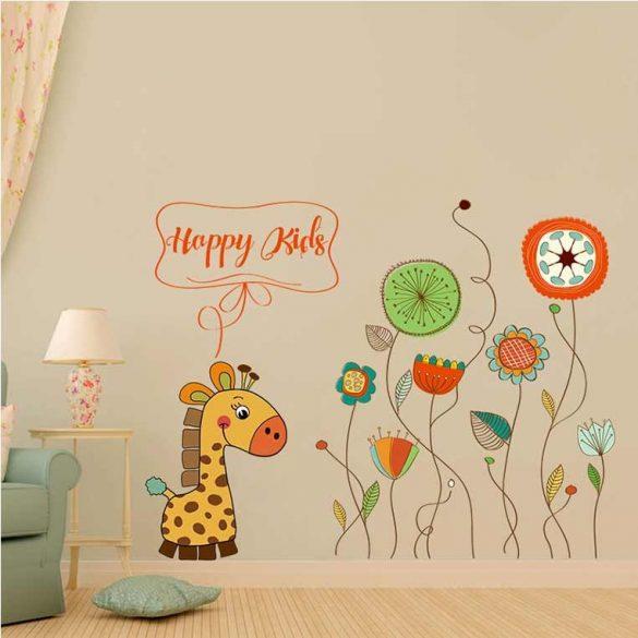 Girafă abstract pe câmp de flori